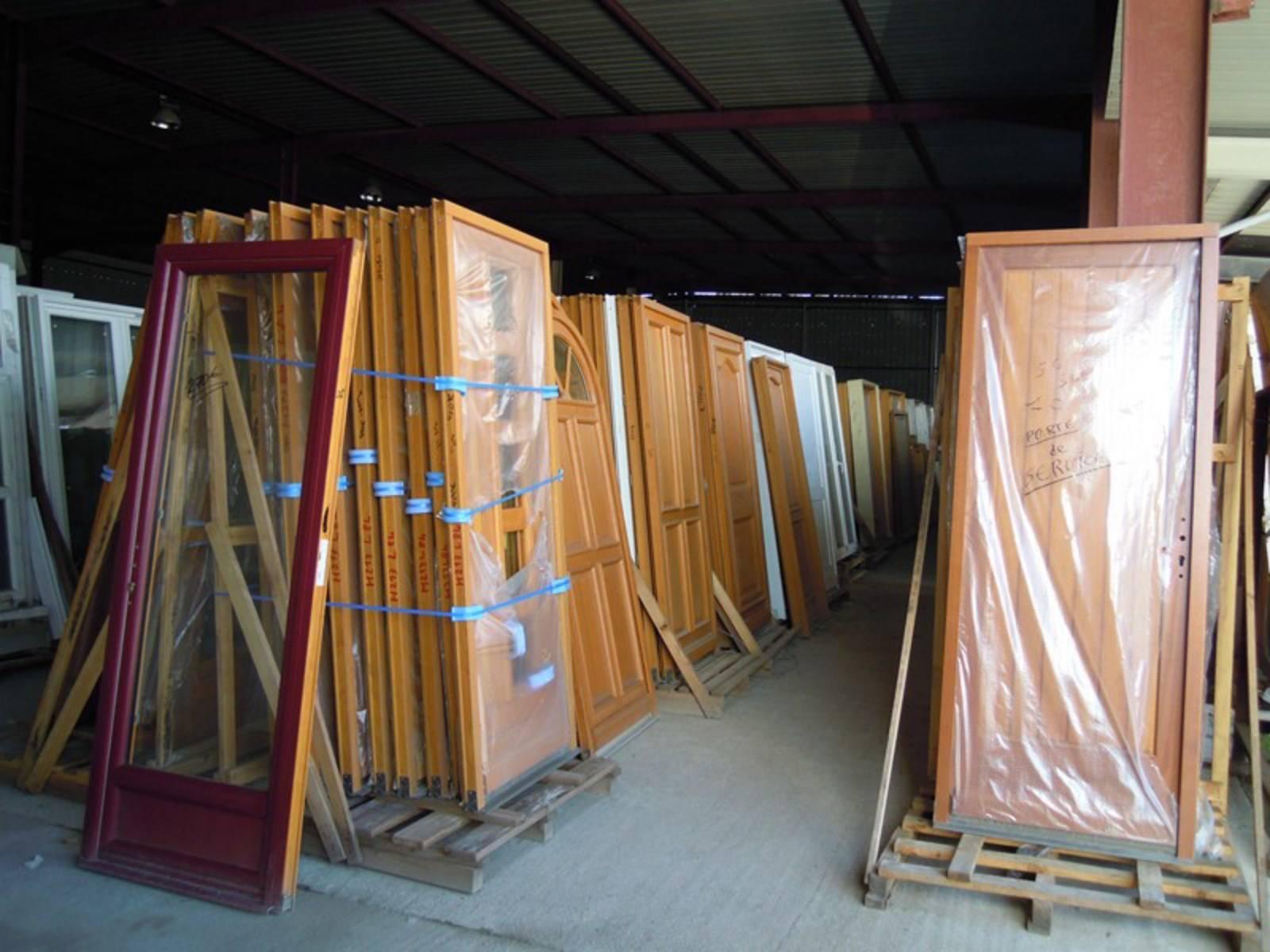 Menuiseries Modernes Et Anciennes Neuves Et D Occasion A Salleboeuf Vente Materiaux De Construction Sur Bordeaux Occa Mat